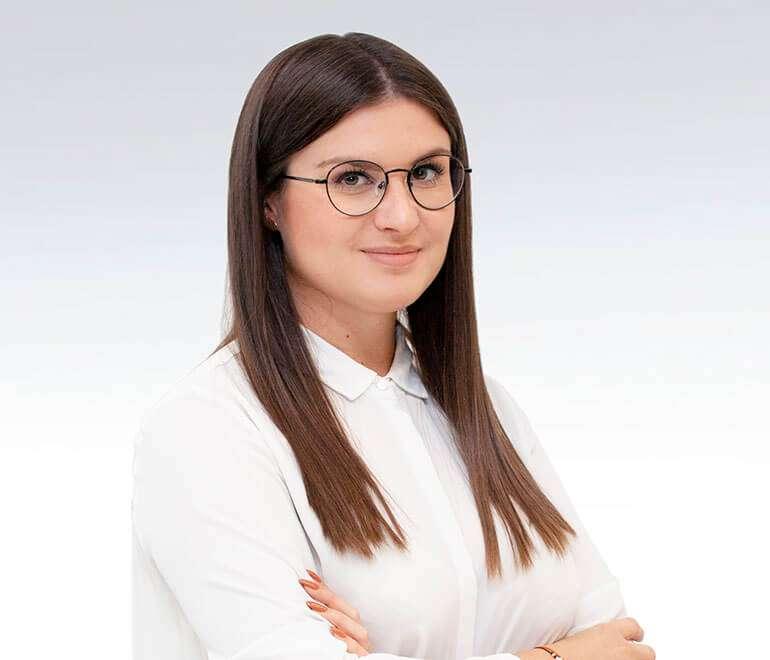 Emilia Cheba
